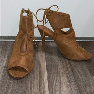 Tan Suede Bonnibel Hell's- Size 10